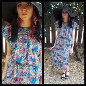 Beautiful Vtg 80s floral peplum dress!